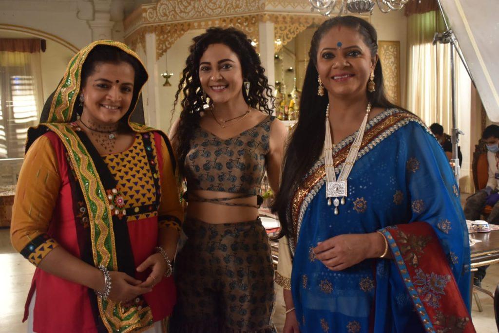 Kavery Priyam, Rupal Patel and Chaitrali Gupte in Yeh Rishtey Hai Pyaar Ke